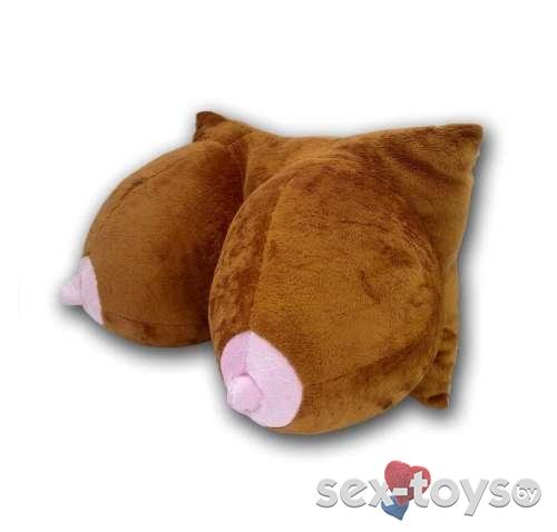 Мягкая игрушка подушка грудь темная (подголовник в автомобиль).Магазин